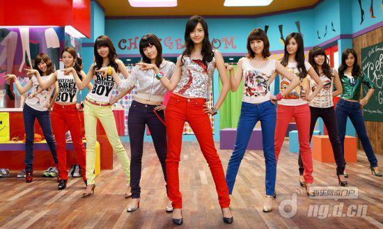《可爱颂》也如同鸟叔的《江南style》一样,受到了众多韩国明星乃至